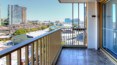 1 Bedroom Great location and Views to City