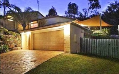 FAMILY ALL ROUNDER IN A PRIVATE QUIET CORNER LOT