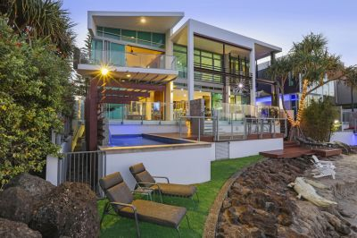 Contemporary North East-Facing Beach House  Owner Says Sell!