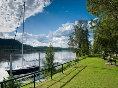 7,682 M2 river view land, imagine build one big house for living.