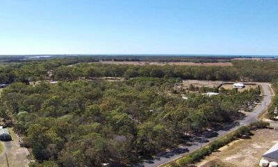 3.33 ACRES MINUTES FROM COONARR BEACH & 17MINS TO THE CBD!
