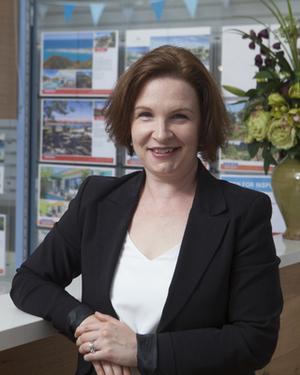 Felicity Schoenicke Real Estate Agent