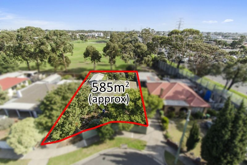 Magnificent Development Opportunity. Endorsed Plans For Four Townhouses!