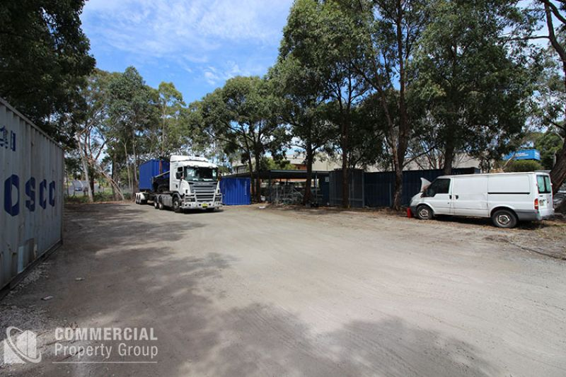 LOOKING FOR SECURE CONVENIENT YARD AREA?