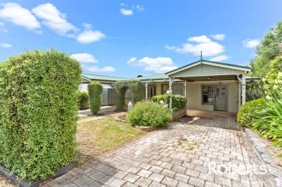 9 Redwood Crescent, Youngtown