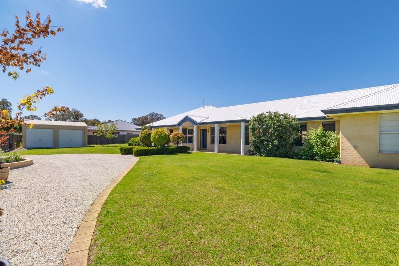 Substantial Family Home in Thurgoona