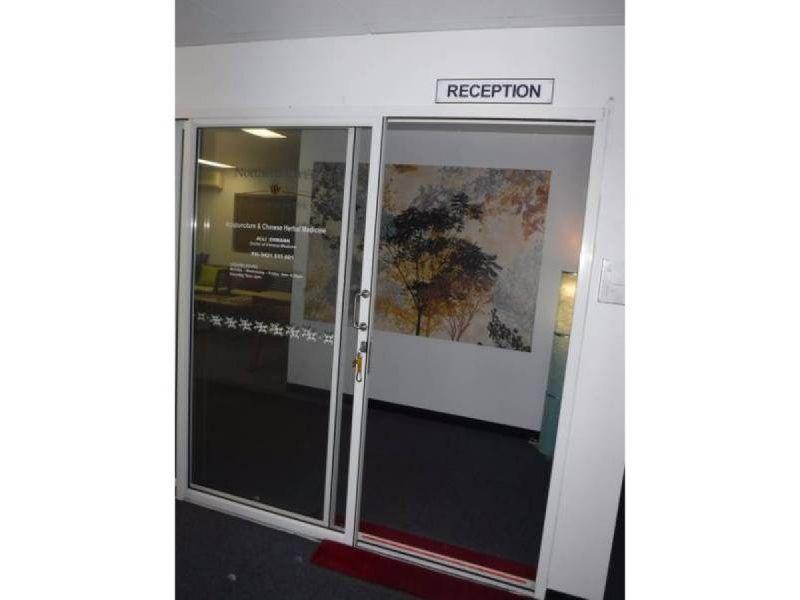 PROFESSIONAL OFFICE OPPOSITE PARK