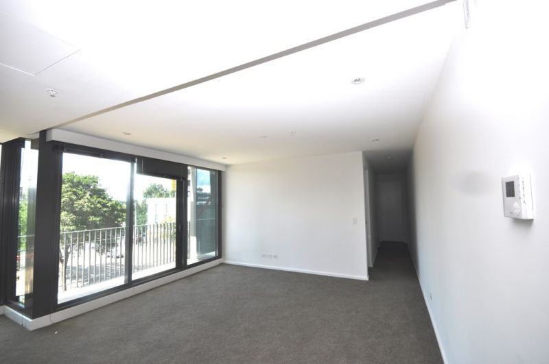 Southbank Grand: Spacious Two Bedroom Apartment!