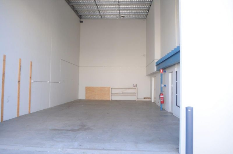 275sqm* office and warehouse in Hemmant