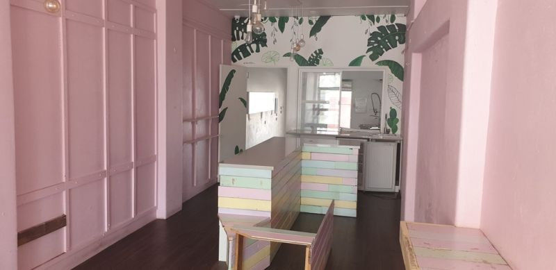 Quirky Cafe' Style Tenancy - Caloundra