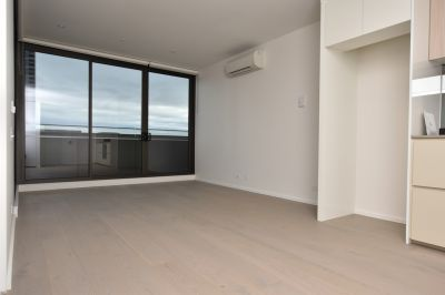 889 Collins Street: Stunning One Bedroom Apartment in Docklands!