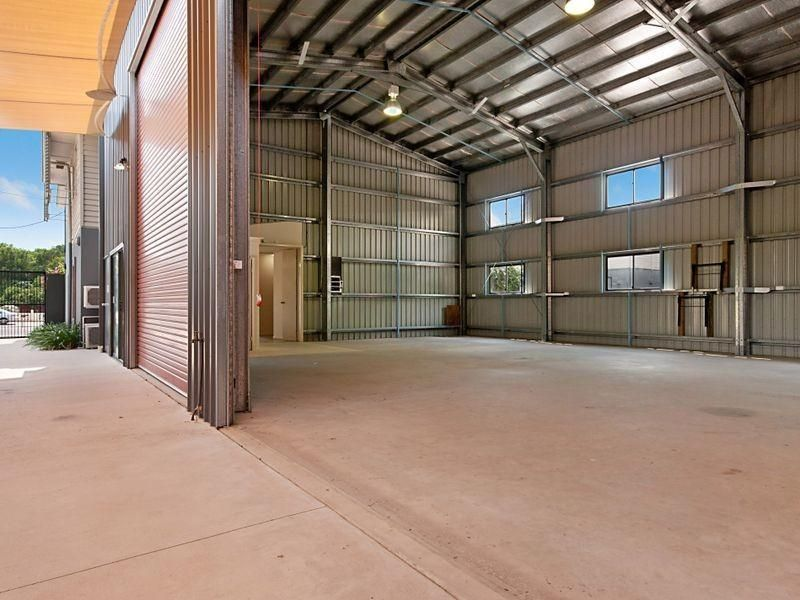 Want To Be Seen? Check Out The Captain Cook Highway Exposure Of This Property.
