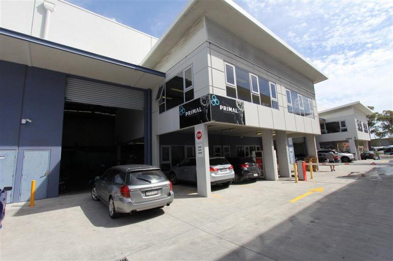 Modern 413m² High Cubic Warehouse