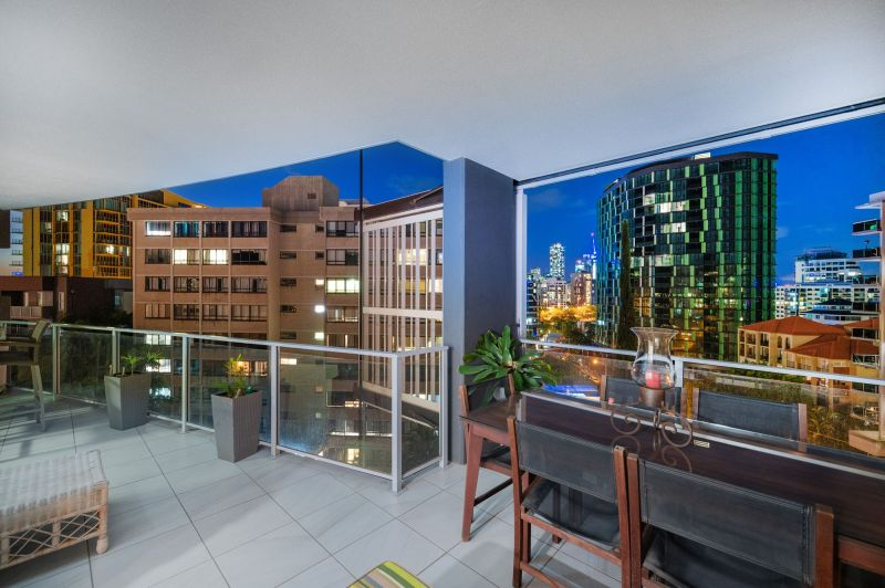 For Sale By Owner: 20/89 Lambert St, Kangaroo Point, QLD 4169