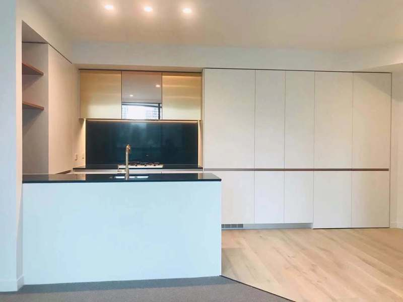 BRAND NEW STUNNING 1 BED APARTMENT IN THE CENTRAL OF EVERYTHING!