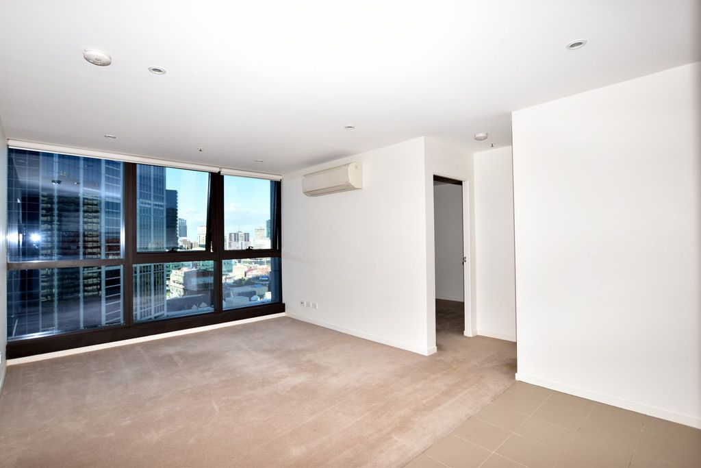 Melbourne Star: Fabulous Two Bedroom Apartment in the Heart of Melbourne!