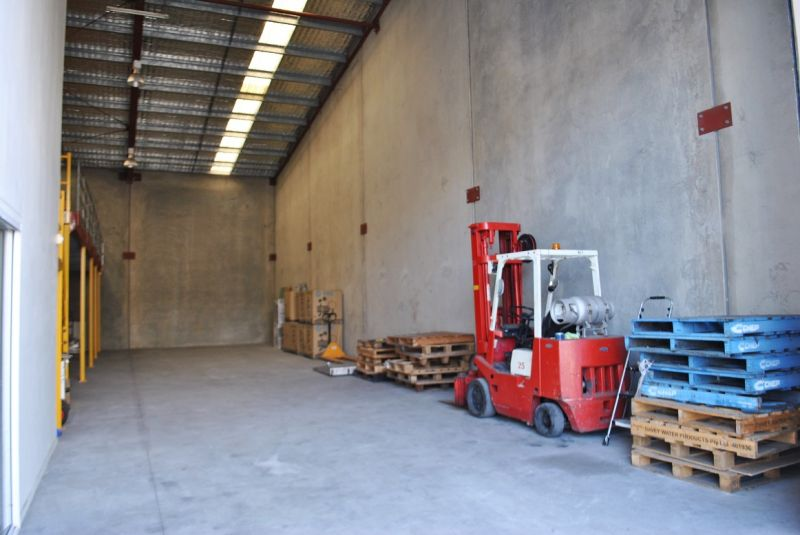 TILT PANEL INDUSTRIAL WAREHOUSE 333m2*