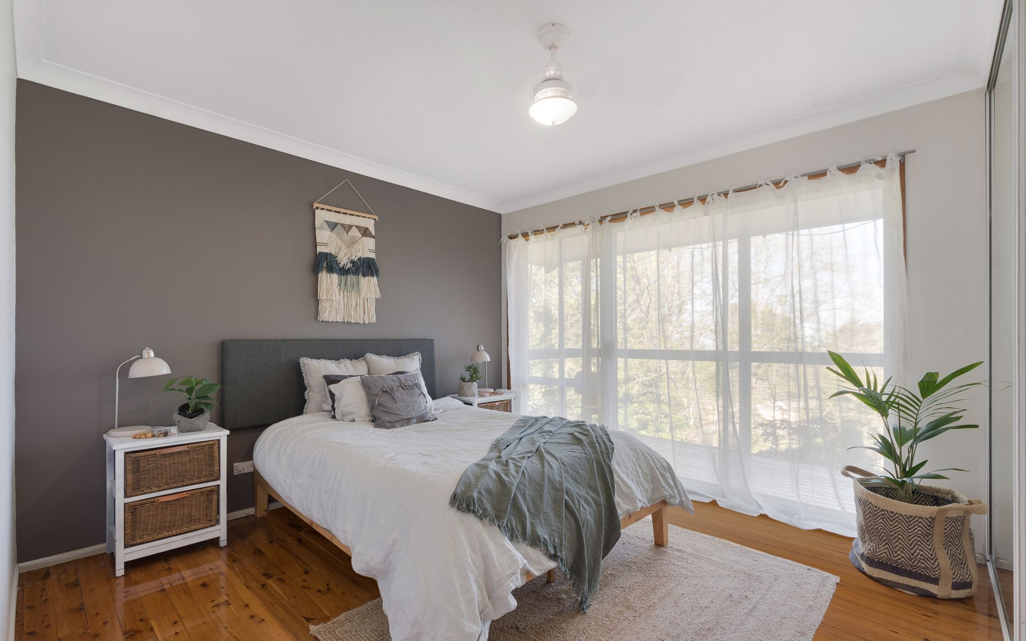 26 The Appian Way Woodford 2778