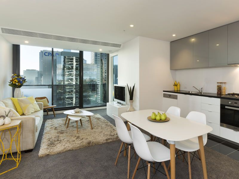 Spacious Near New Two Bedroom in Southbank Grand Complex!