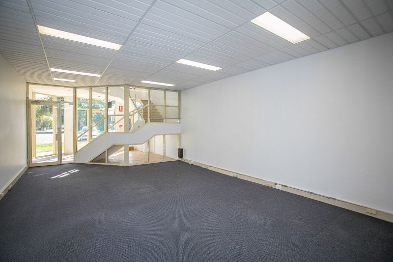 HIGH QUALITY WESTERN SUBURBS OFFICES