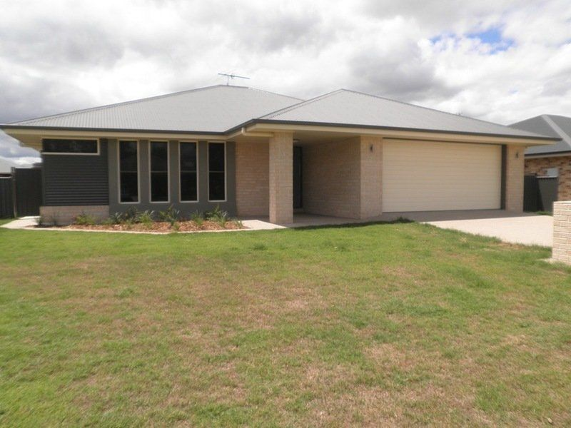 IMMACULATE 4 BEDROOM HOME - WITH DOUBLE BAY SHED