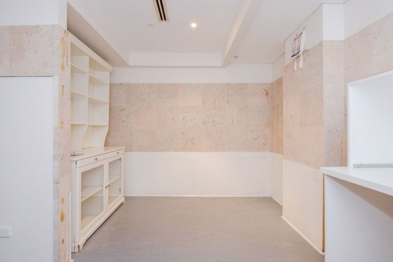 $200sqm | 113sqm* Office With Functional Floor Plan
