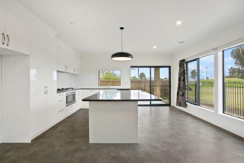 31 Rutledge Boulevard North Geelong