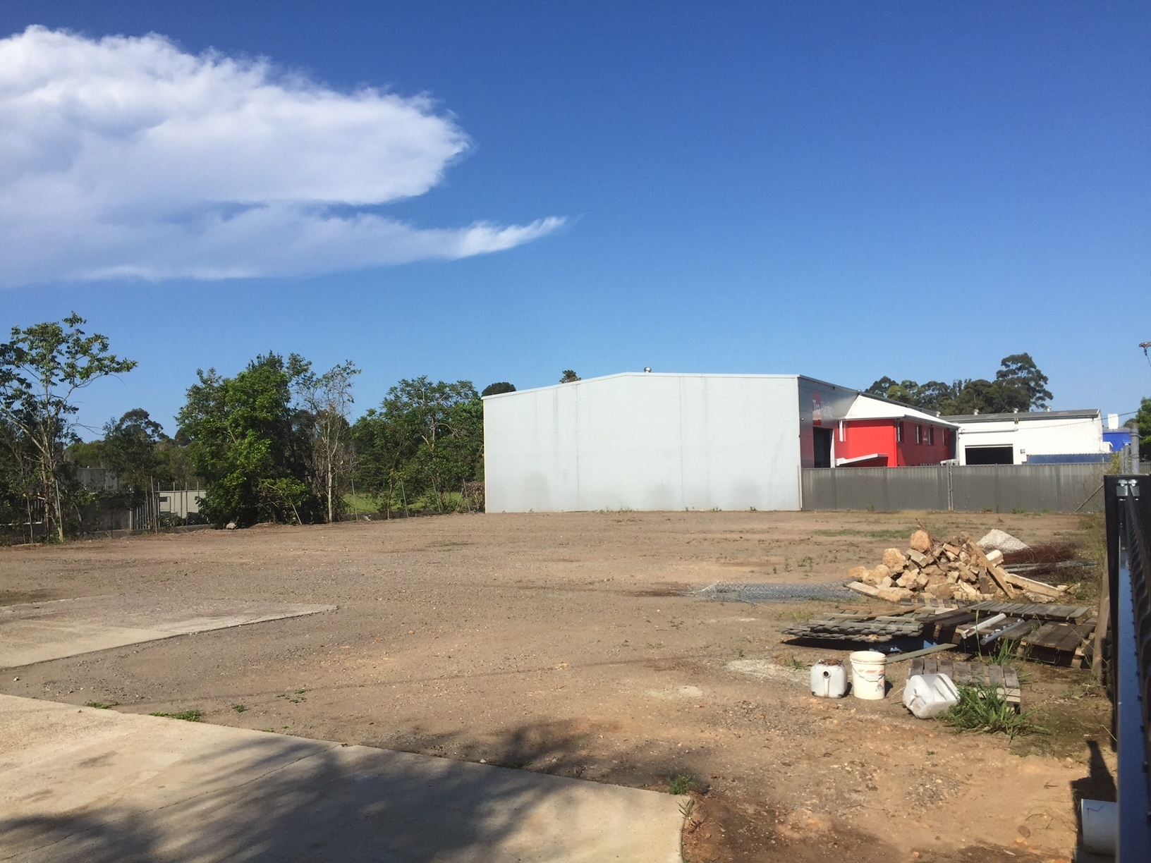 TWO STANDALONE WAREHOUSES – CENTRAL KUNDA PARK – UP TO 1,340SQ M