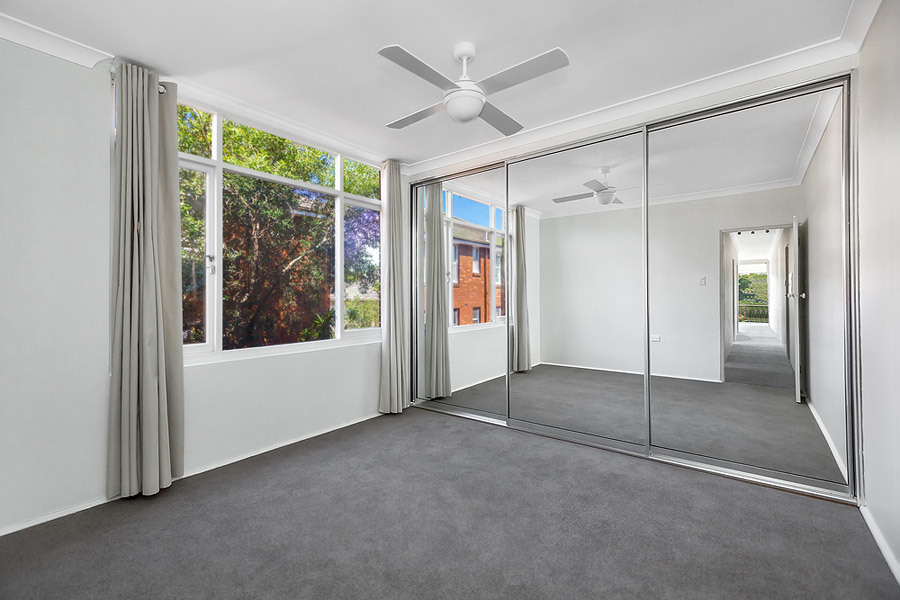 2/5 South Street, Drummoyne