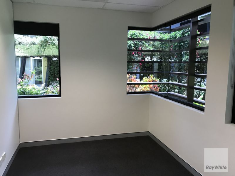 Professional Office/Medical in the heart of North Lakes