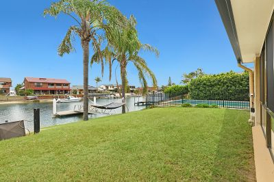 Waterfront Entertainer - 18.3m* Frontage  Private Viewings Available