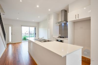 Modern Townhouse With The Trims- UNDER APPLICATION 03/04/2019