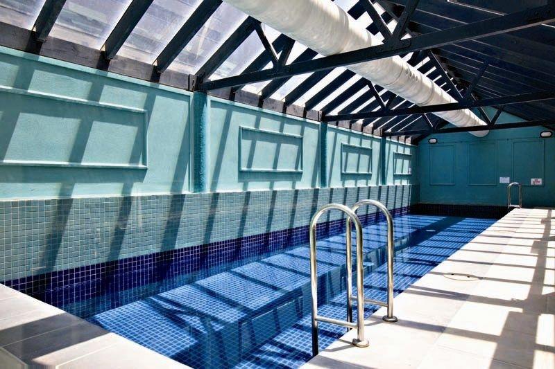 City Condos: 9th Floor Modern Splendour!