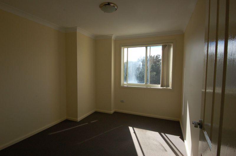 Private Rentals: 91 Bridge Rd, Westmead, NSW 2145