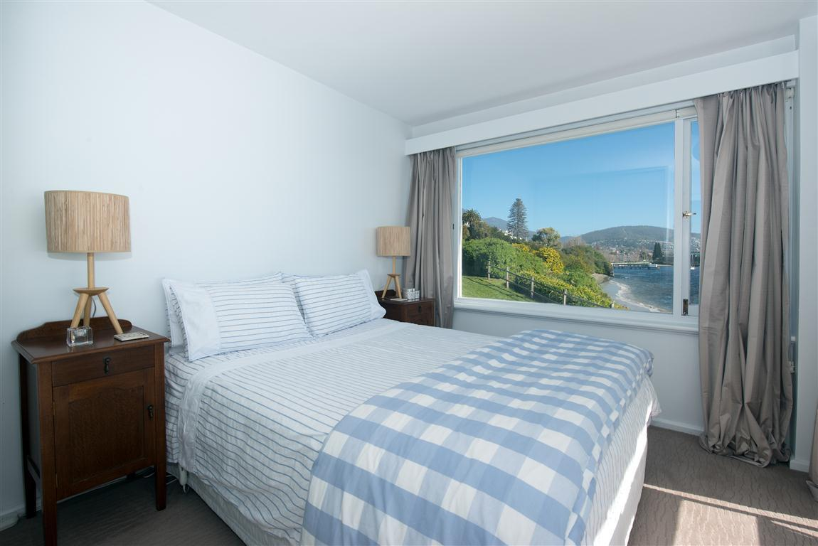 13/482 Sandy Bay Road
