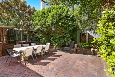 Ultra Convenient Location Bright And Spacious Terrace