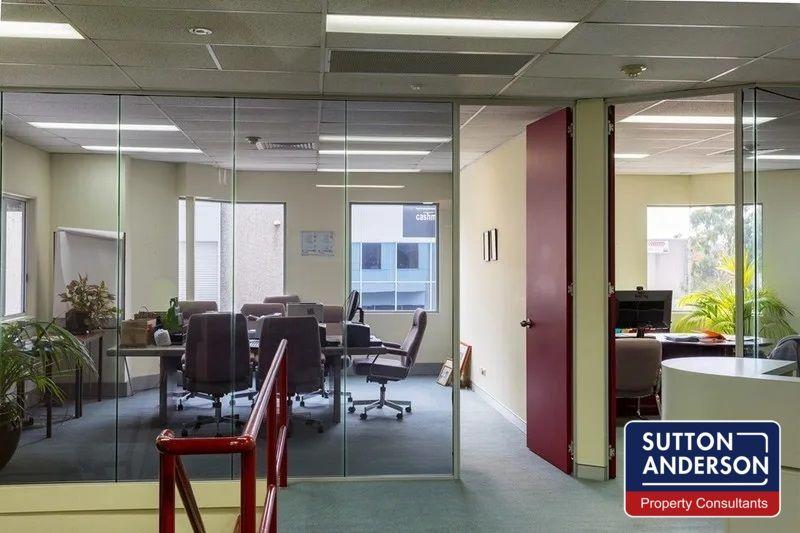 1008 SQM Warehouse / Office