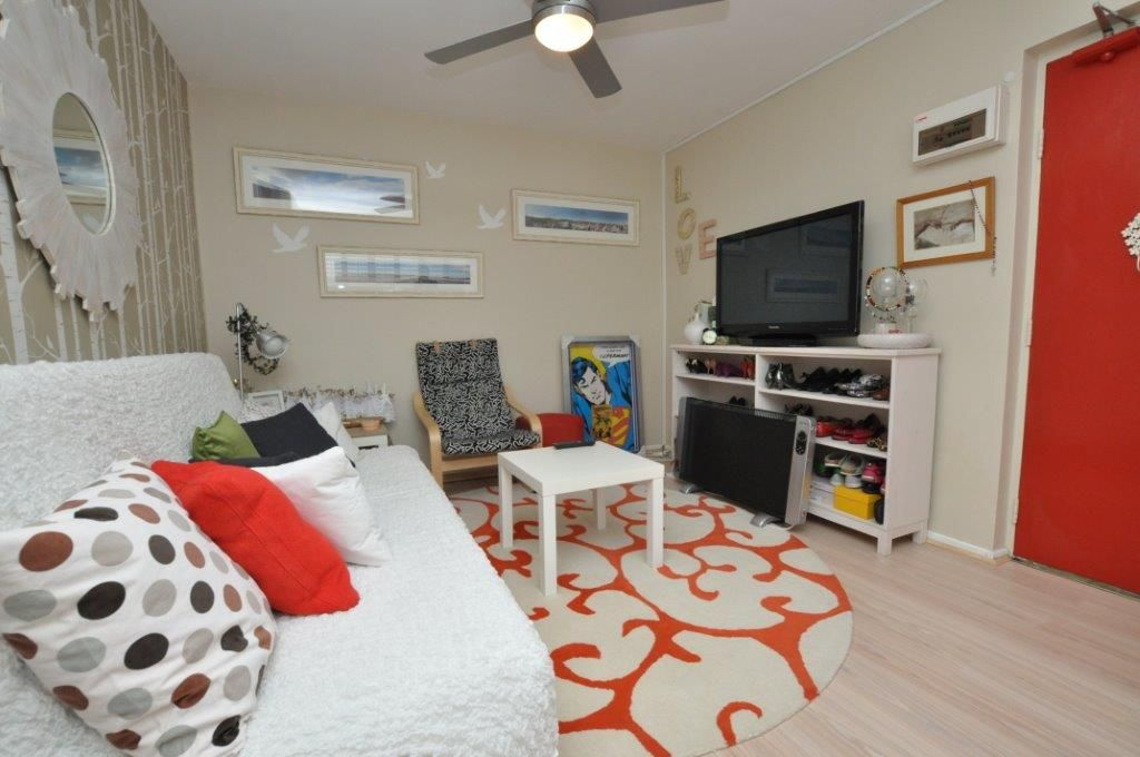 Fully Furnished One Bedroom Apartment in Prime Location!