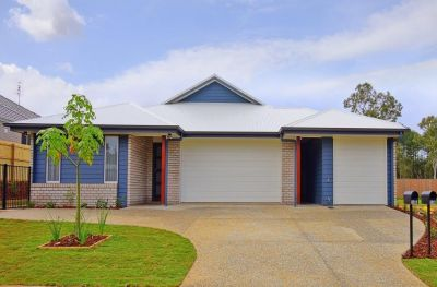 Two bedroom unit in the beautiful Glass House Mountains!