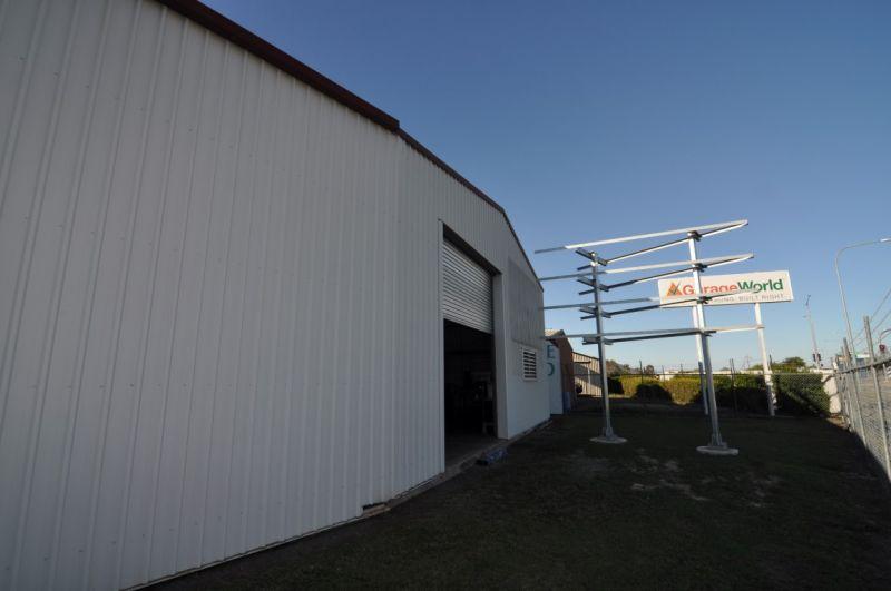 Former mechanical workshop with Highway frontage