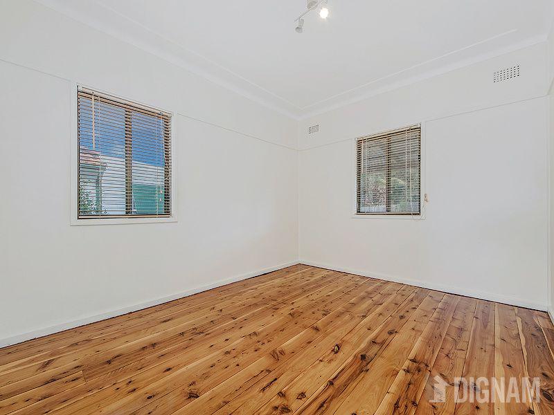 12 Hoskins Street, Gwynneville NSW