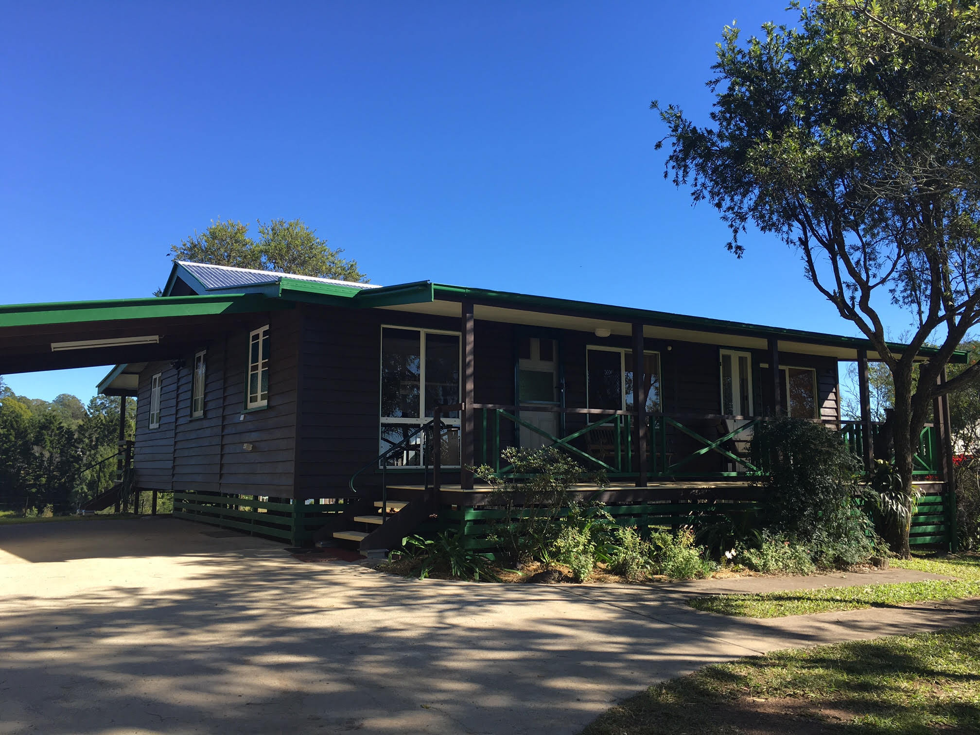 PERFECT COTTAGE ON THE HILL - FOR HOLIDAY LEASE!