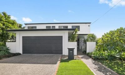 Huge Family Home in prime Broadbeach Waters Location