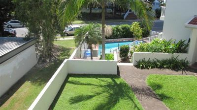 RENOVATED UNIT OPPOSITE THE BEACH!