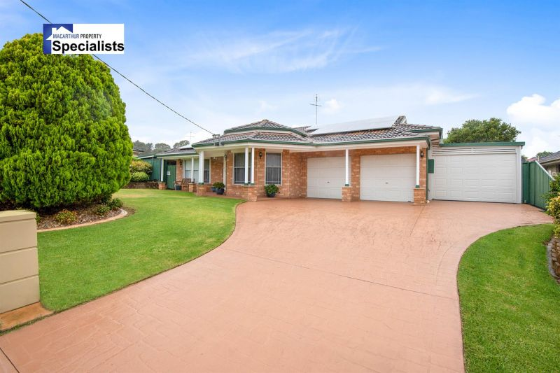 A Nice Home on approx. 1,117m2 and a 3 Bedroom Granny Flat!!