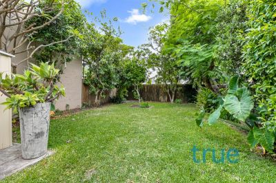 = HOLDING DEPOSIT RECEIVED = BEAUTIFULLY RENOVATED FAMILY HOME IN THE HEART OF LEICHHARDT