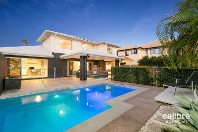 Luxury Hilltop Residence - City Views - Inground Pool - Side-Access! Your Dream Home Awaits!