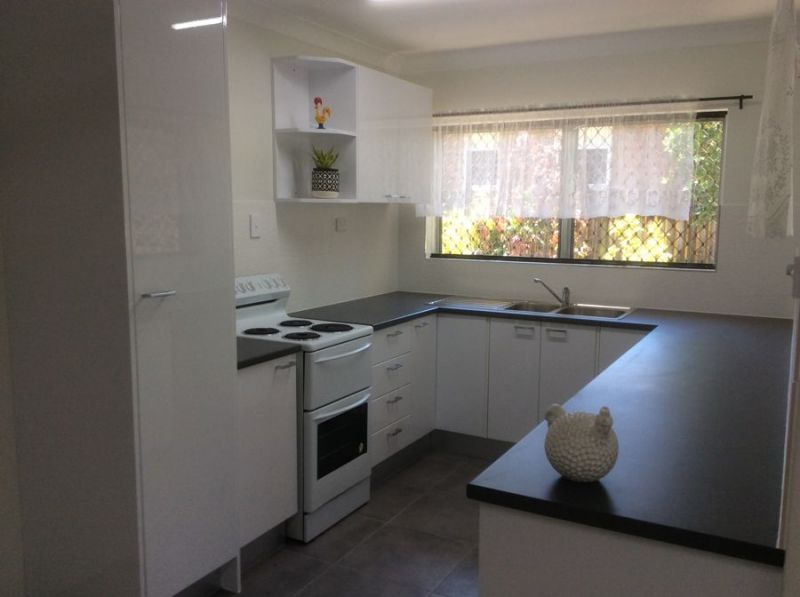 MODERN TWO BEDROOM DUPLEX CLOSE TO THE CITY