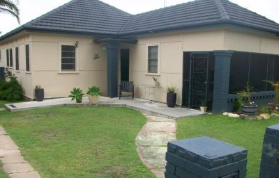 Tidy family home in Belmont