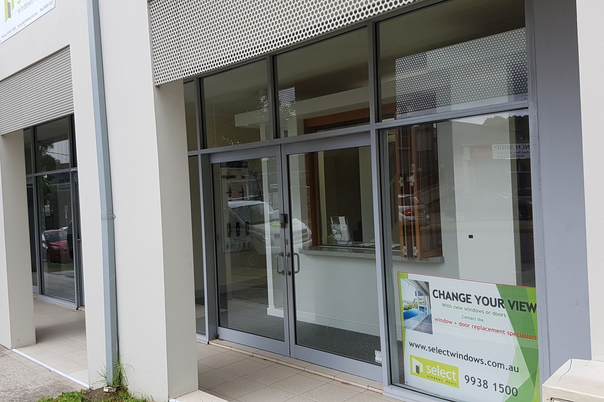 IMMACULATE SHOWROOM/OFFICE IN BROOKVALE